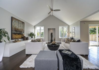 Great Room - Family Room - Home Staging - Ajax - cathedral ceiling
