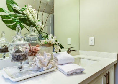 Bathroom counter decor - Home Staging - Durham Region