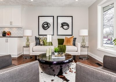 Modern Living Room - Home Staging - Oshawa - Contemporary Art