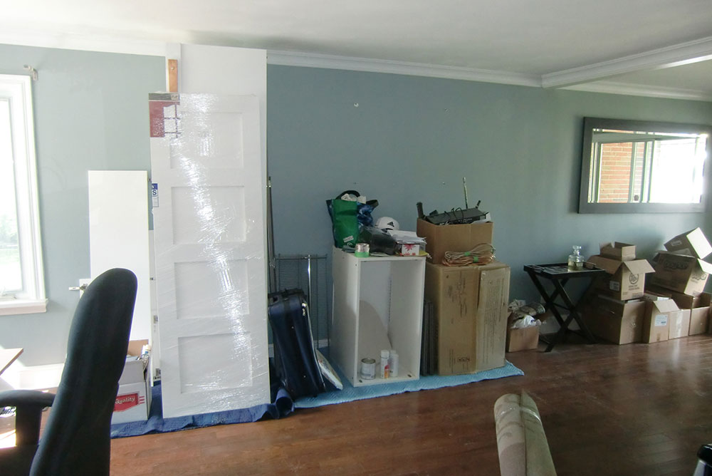 Home Staging - Small Living Room - Vacant - Pickering