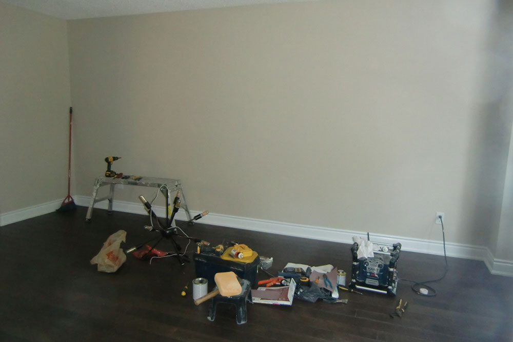 Whitby Living Room Before - Home Staging - Vacant